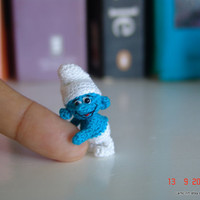 tiny crochet art smurf