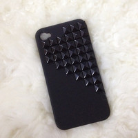 Studded black iphone 4/4S case with black pyramid studs :)