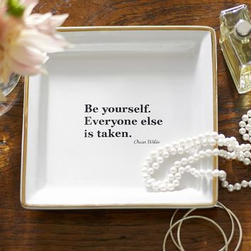 QUOTE TRAY