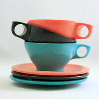 Vintage Set of Boontonware Melmac Teacups and Saucers by WiseApple