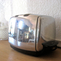 Vintage Sunbeam Automatic Toaster T 20 by nellsvintagehouse