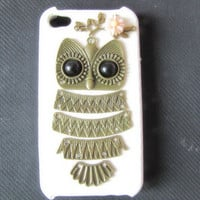 white  case pink  flower Antique Brass Cute Owl  Hard Case Cover for iPhone 4 Case, iPhone 4s Case, iPhone 4 Hard Case, iPhone Case IP9