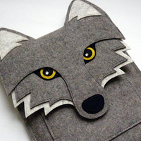 Wolf MacBook Air 13 inch sleeve - Gray felt - MADE TO ORDER