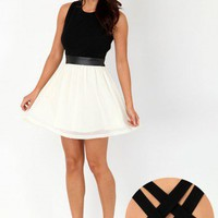 Missguided - Rosslyn Cross Back Contrast Skater Dress