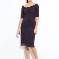 Knee-length V-neck Chiffon Sheath / Column Mother of the Bride Dresses / Wedding Party Dresses [10107796] - US$107.99 : DressKindom