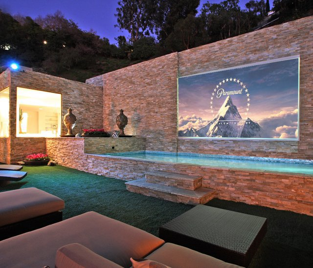 Fixed Frame Outdoor Projection Screen