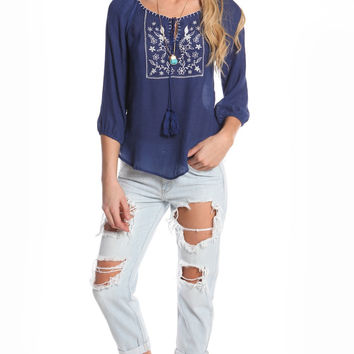 WOVEN FLORAL TASSEL TOP - NAVY