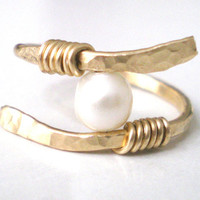Gold Pearl Wire Ring, Handmade Ring, Handmade Jewelry, Wire Jewelry, Hammered Ring, Brass Ring