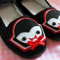 Little Vampire Mary Jane Shoes Size 9 by emandsprout on Etsy