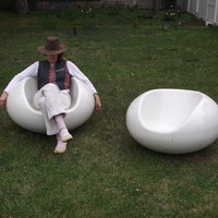 Eero Aarnio Pastil Chairs. 1968. Set of 2. Floating Fiberglass Chairs. Mid Century Modern Indoor Outdoor Furniture