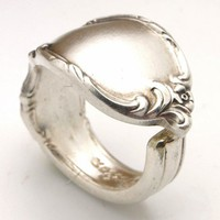 Stunning Elegant Vintage Silver Spoon Ring by BlackSparrowVintage