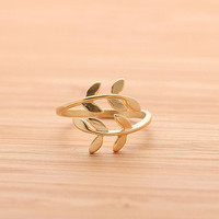 baby LEAF ring, in gold