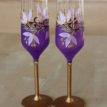 Purple Wine glasses, Wedding glasses, Mother's Day gift ,Valentine's Day, Set of 2,Gold and Purple
