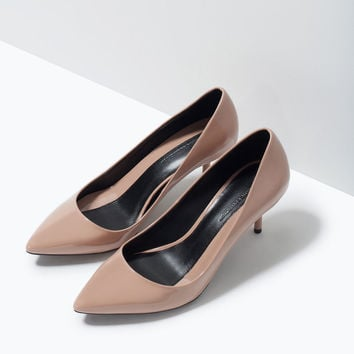 MID-HEEL PATENT COURT SHOES