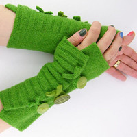 Fingerless mittens arm warmers fingerless gloves arm cuffs in kelly green eco friendly recycled wool fall fashion curationnation