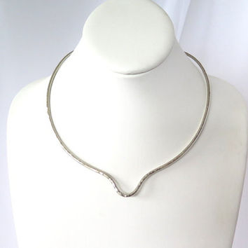Silver metal choker, non tarnish collar with U detail, wire pendant slide, gift under 30