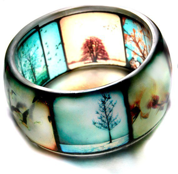 [sold out] TTV Viewfinder clear hand cast resin bangle bracelet by bethtastic