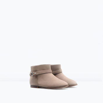 Soft lined boot