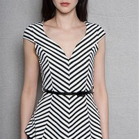 Striped Chevron Short Sleeve Fit & Flare Top - Black & White