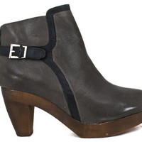 SUTRO Bedford Ankle-Boot - Grey/Black Leather | Shoe Biz - San Francisco