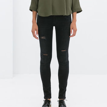 Superskinny ripped jeans
