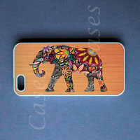 Iphone 5 Case - Elephant On Wood Ip.. on Luulla