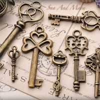 Vintage Style Key Set  7 Unique Skeleton by SunAndMoonCraftKits