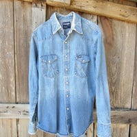 Vintage Distressed Wrangler's Cowboy Denim Shirt, M // Mens Sun Faded Blue Jean Western Shirt