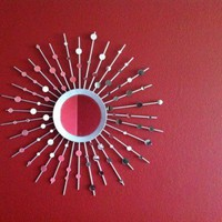 DIY Sunburst Mirror That Consists Of 100 Tiny Mirrors | Shelterness