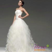 Elegant Strapless Full Length Layers Wedding Dress For Pregnant