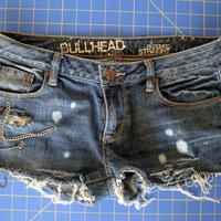 DIY: Destroyed Denim |