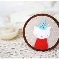 cat brooch - shabby chic accessories