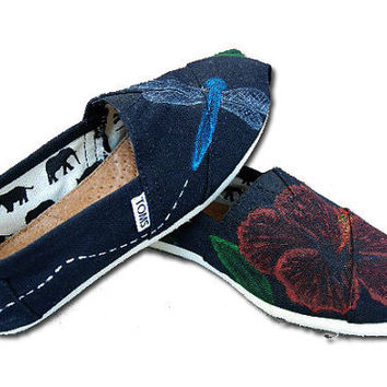 Hibiscus & Dragonfly Custom TOMs Shoes by KellismCo on Etsy