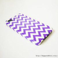 Purple Chevron iPhone 4 Case, iPhone 4s Case, iPhone 4 Cover, Hard iPhone 4 Case - Violet Color