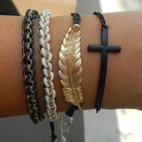 Feather + be happy charm from Paris Heroin Stars&#x27; Boutique