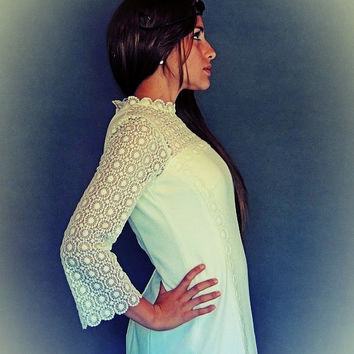White wedding / vintage lace bridal gown / original hippie piece perfect for a garden, boho or casual wedding / maxi ankle length