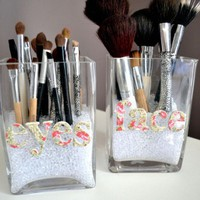 Cute DIY Makeup Brush Storage | Shelterness