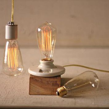 vintage light bulb \ 40 watt
