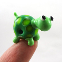Green Turtle Lamwporked Glass Figurine Bead by MercuryGlass