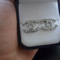 chanel earring 2cm CC logo