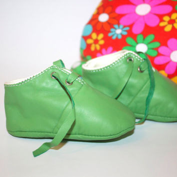 12-18 Months Slippers / Baby Shoes Lamb Leather green