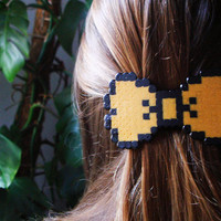 8bit Bow Barrette. Black & Orange (Teddy Bear Yellow)