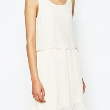 Only Scalloped Edge Double Layer Sleeveless Dress