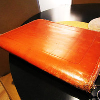 distressed cognac zipper folder. leather computer protector. vintage leather zip case