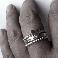 mother's love . set of 3 . personalized name rings