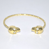 Skull Heads Open End Bangle on Luulla