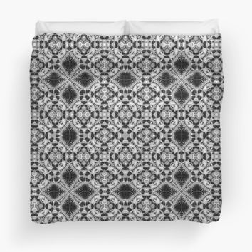 Tribal Fractals | Black White Geometric