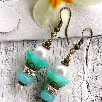 Trumpet Flower EArrings Aqua Jade Earrings GEMSTONE EARRINGS Semi Precious Earrings Pearl EARRINGS