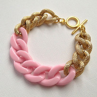 Kaylee Bracelet: Gold Chunky Chain with Pink Acrylic Chain