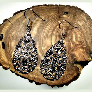 Handmade Filigree Teardrop Gunmetal or Silver Droplet Earrings On Surgical Steel Hooks In Shiny Silver Hypoallergenic Jewelry